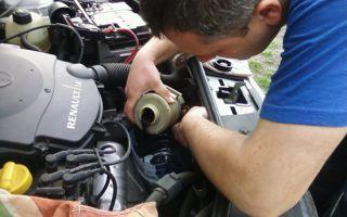 Как заменить масло в сервоприводе Рено Логан