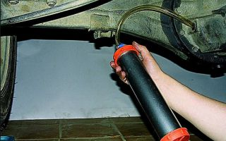 Процесс замены масла ВАЗ 2107 в редукторе заднего моста