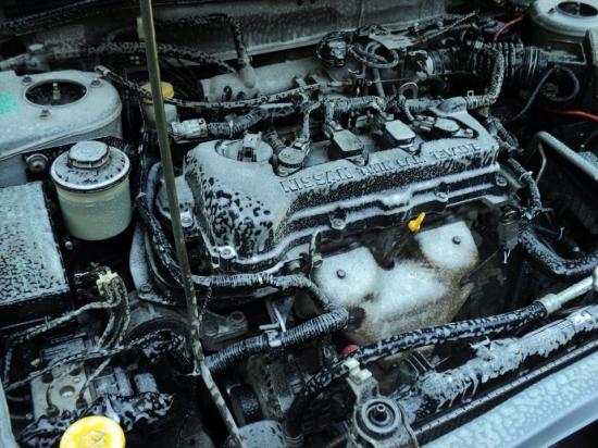 Как отмыть двигатель от моторного масла?