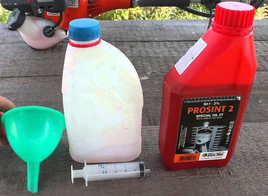 какое масло заливают бензиновый